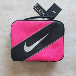 *Host Pick* Nike insulated lunch bag